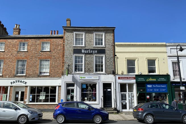 1st and 2nd Floor Offices, 19 Cornmarket, Thame, Office To Let - IMG_8222.JPG
