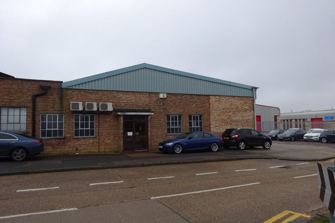 Units 26 & 27 - Raynham Industrial Estate, Raynham Road, Bishop Stortford, Warehouse & Industrial To Let - DSC01580.JPG