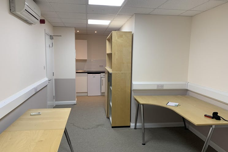 Suite 2A, Ace Of Spades, Hook Rise North, Surbiton, Offices To Let - IMG-5755.jpg