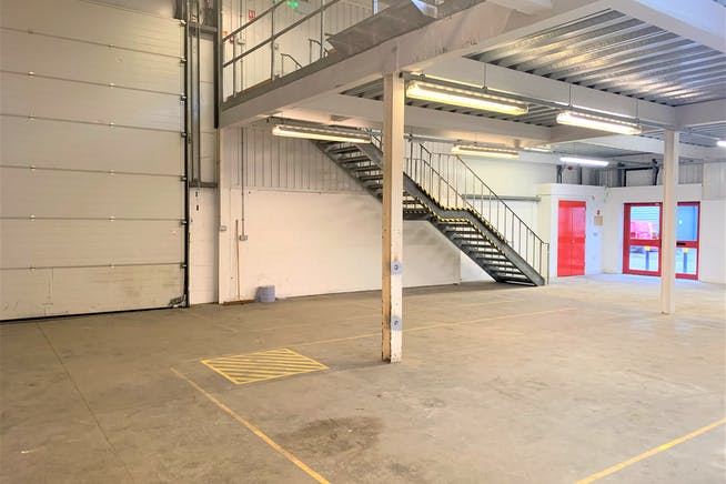 Units 3, 11 And 16, Linford Street Business Estate, Battersea, Industrial To Let - Unit 16 i.JPG