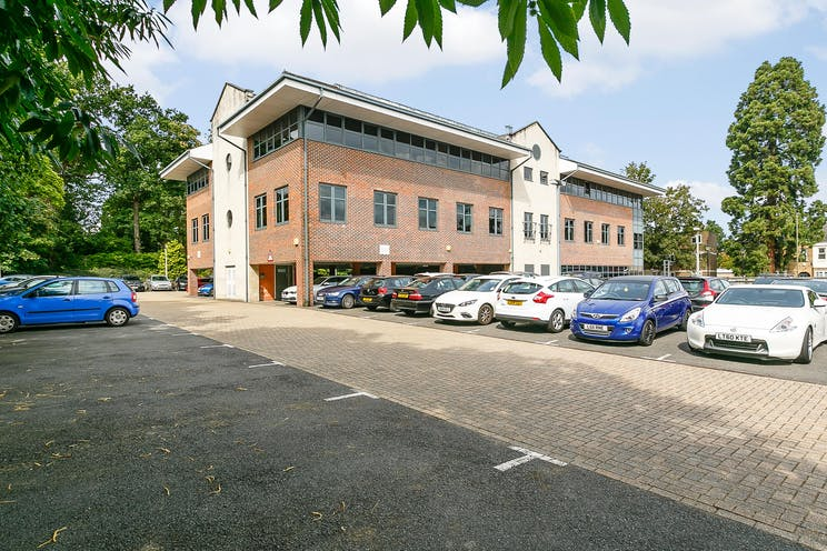 Consort House, 1 Princes Road, Weybridge, Offices To Let - 8262946-exterior03.JPG