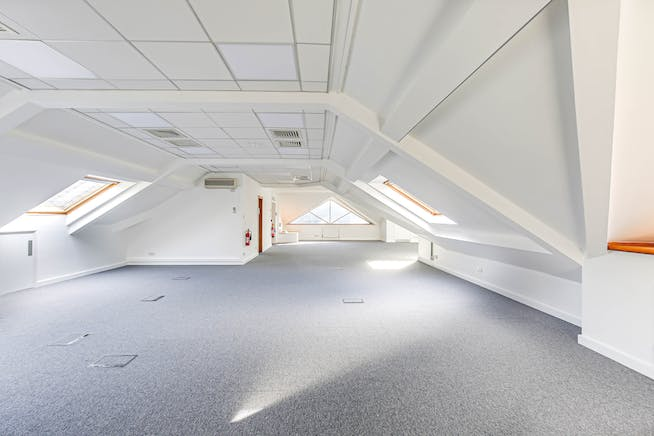 The Crown (Suite G), Westerham, Offices To Let - 12.jpg