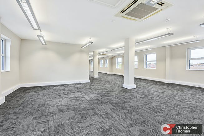 Europa House, Gerrards Cross, Office To Let - 0add04ffd63e4c14bf1d3ad2a3b939f4.jpg