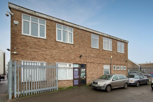 6 Lupton Road, Thame, Industrial / Investment To Let - FieldsExt04.jpg