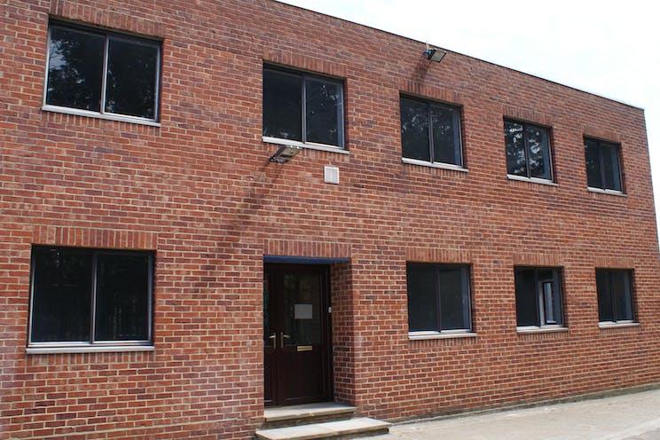 128a Kingston Road, Leatherhead, Offices To Let - DSC04836.JPG