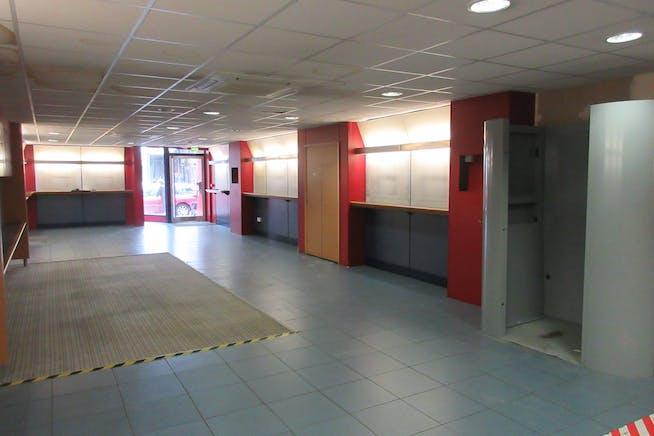 Ground Floor Retail Unit, 25 High Street, Shepperton, Retail To Let - IMG_2015.JPG