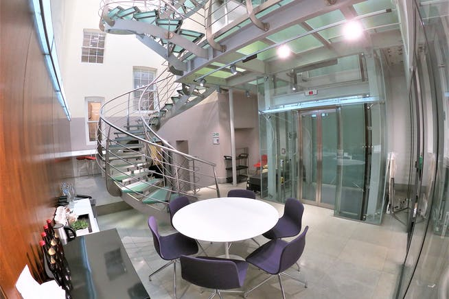 22 King Street, London, Offices To Let - Communal Breakout Space