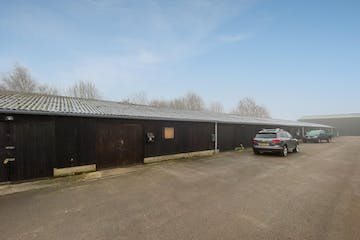 Unit 5, Notley Farm, Long Crendon, Office / Industrial To Let - FieldsExt01.jpg