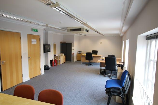 Suite 3, First Floor, 44 Holdenhurst Road, Bournemouth, Office To Let / For Sale - 44 Holdenhurst Road Bmth 002.JPG