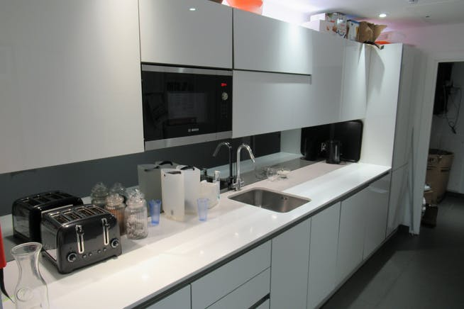 Unit 1, Unex Tower, London, Office / Retail To Let - IMG_1850.JPG