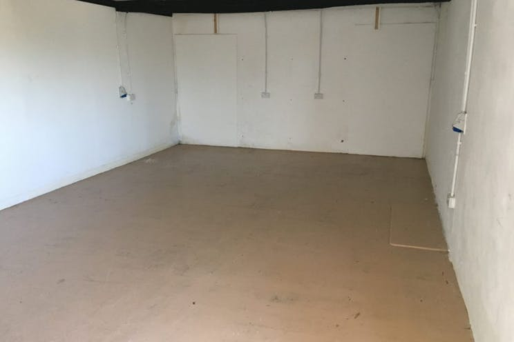 White Dirt Farm, Waterlooville, Office / Industrial To Let - 238-4596-1024x768.jpg