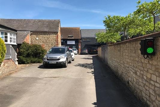 Sanderum Centre, 30A Upper High Street, Thame, Office To Let - OFFICE SUIT2].jpeg