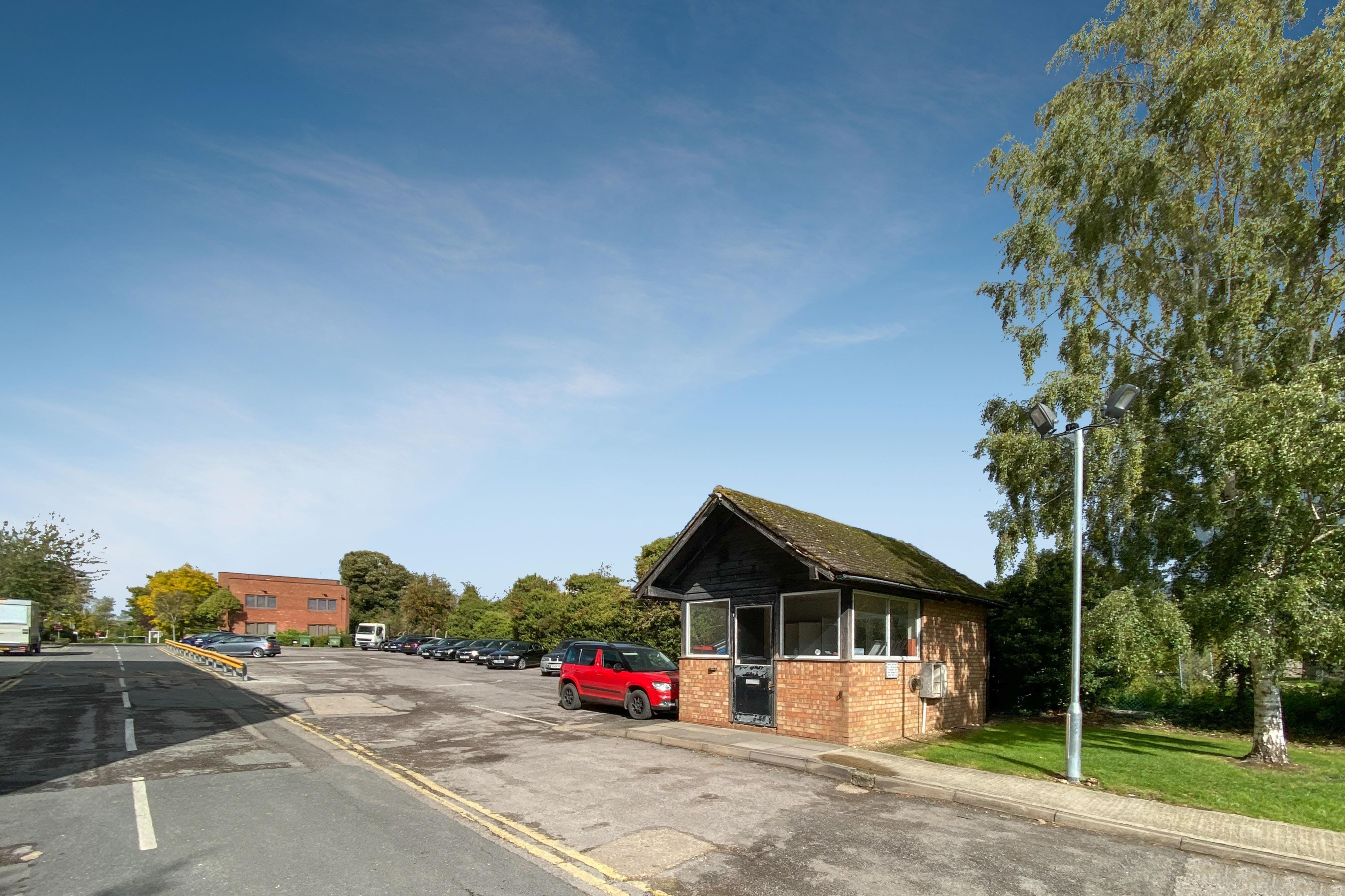 The Gatehouse, Pegasus Way, Haddenham, Office / Industrial / Retail To Let - TH-5.jpg