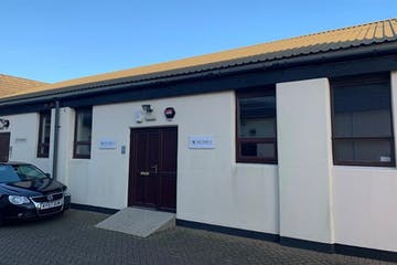 7 Newhouse Business Centre, Faygate, Office To Let - new front.jpg
