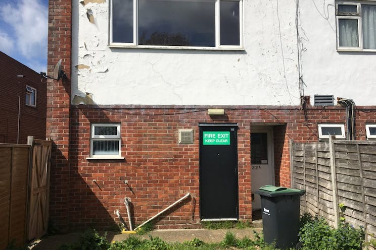 22-22a Elm Grove, Hayling Island, Retail To Let - 238-4441-1024x768.jpg
