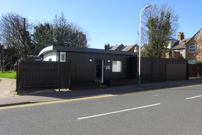 155 Abbs Cross Gardens, Hornchurch, Offices / Retail / Suis Generis (other) To Let - DSC01957.JPG