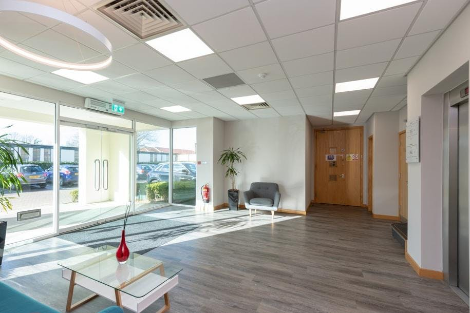 Beechwood, Grove Park, Maidenhead, Office To Let - Reception.jpg