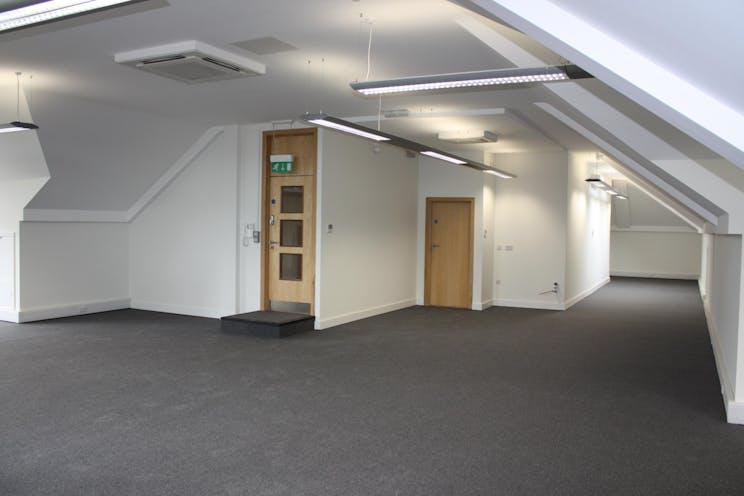 Second Floor, 15 London Street, Chertsey, Offices To Let - IMG_7830.JPG