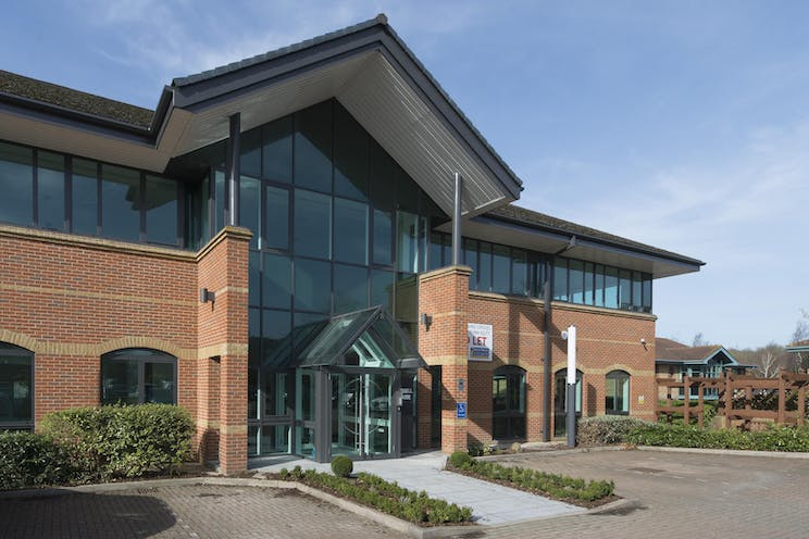 Russell House, Regent Park, Leatherhead, Offices To Let - IW-150317-GKA-018.jpg