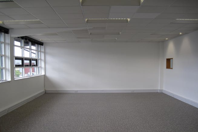 Unit 17 Alliance Court, Acton, Offices / Industrial To Let - IMG_3695.JPG