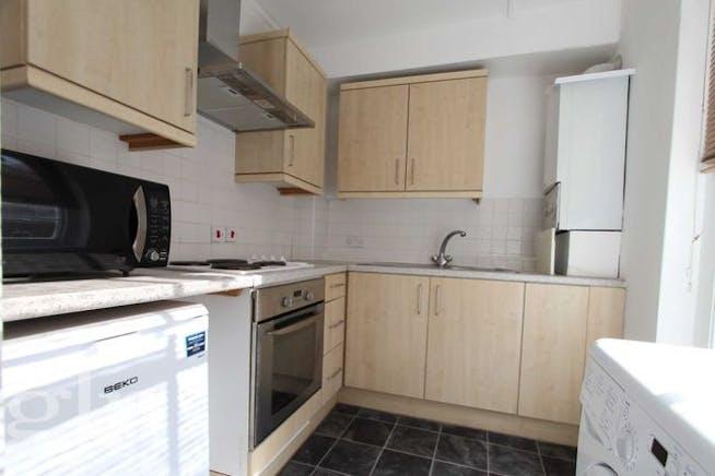 Flat 2, 27 Red Lion Street, London To Let - Kitchen.jpg