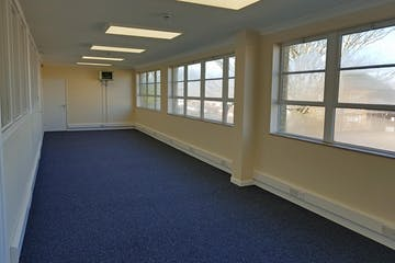 Offices Britannia Estate, New Road, Sheerness, Office To Let - 20190226_095119.jpg