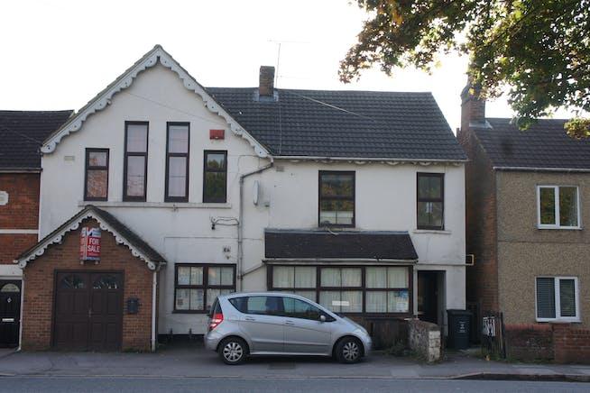 136 Beechcroft Road, Stratton, Swindon For Sale - 136 Beechcroft Road.JPG