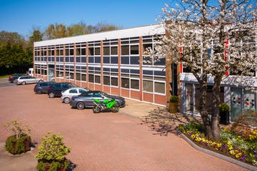 Solent House, Lansbury Business Estate, Woking, Offices To Let - LBE-unit-17-ext-new-12-edit (002).jpg