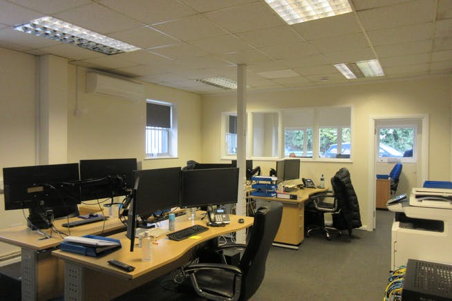 Commercial Unit 1/1A, Groundworks House, Egham, Offices To Let - IMG_2431.JPG