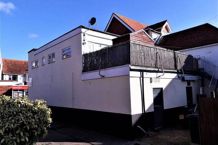 135 High Street, Lee-on-the-Solent, Retail To Let - 2nd image.jpg