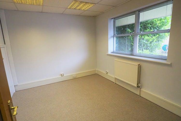 Anvil House, Billingshurst, Office / Sui Generis (other) To Let - P6110021.JPG