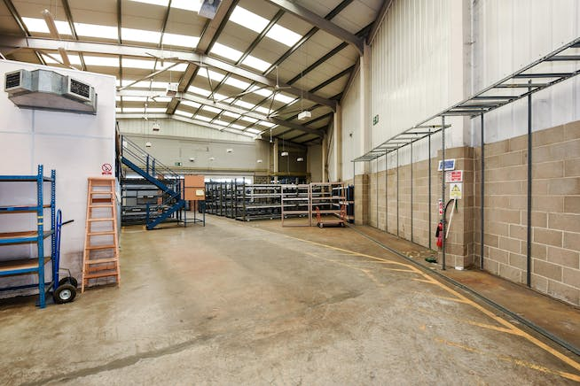 231 London Road, Staines Upon Thames, Industrial To Let - 248489 (3).JPG