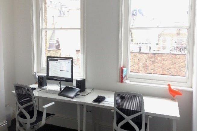 59-61 Brewer Street, London, Office To Let - 59-61 Brewer St two tables.jpg