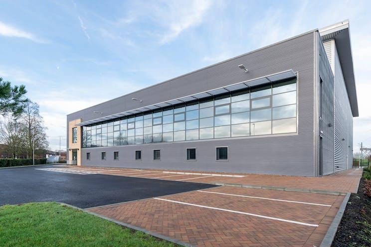 Unit 21, Suttons Business Park, Reading, Industrial To Let - DSC_0111.jpg