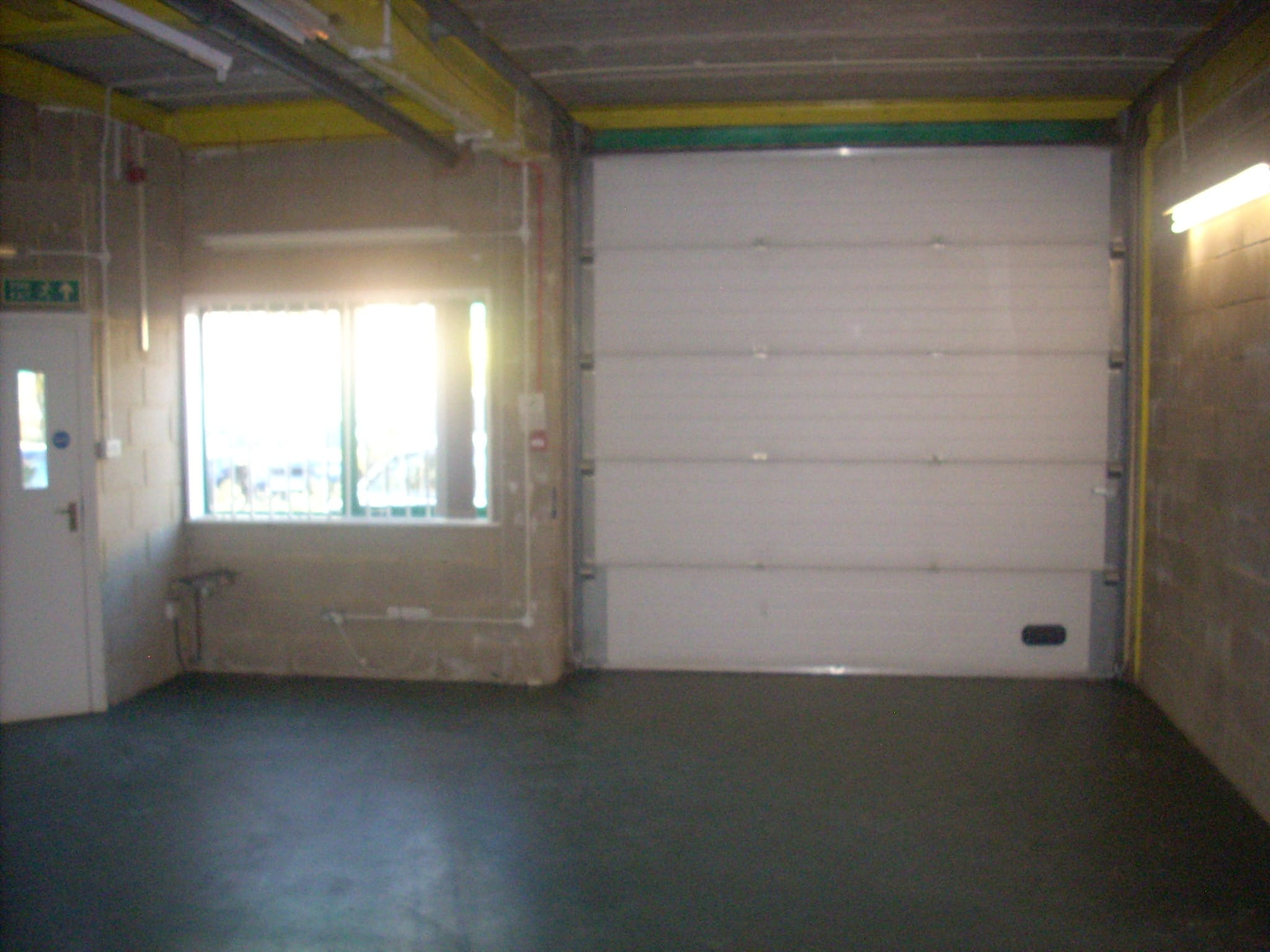 Unit 3, Brickfields Industrial Park, Kiln Lane, Bracknell, Industrial To Let - DSCN5637.JPG