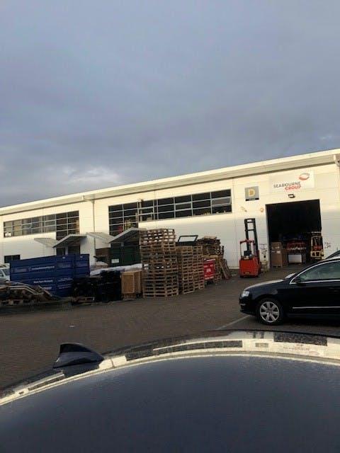Unit D, Lutyens Industrial Centre, Basingstoke, Warehouse & Industrial To Let - Unit D Lutyens.jpg