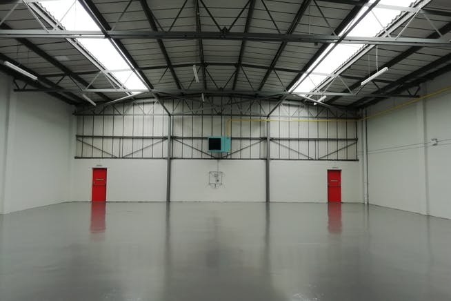 Unit 3, Bilton Industrial Estate, Bracknell, Industrial To Let - IMG_20201119_124937_resized_20201125_112508091.jpg