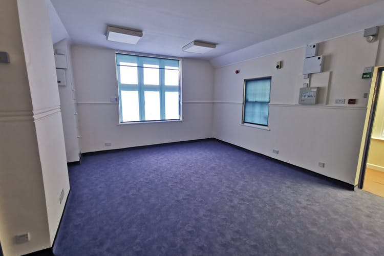 6-8 Ashdown Road, Worthing, Leisure / Office / Sui Generis (other) / Retail For Sale - IMG_20210615_162845.jpg