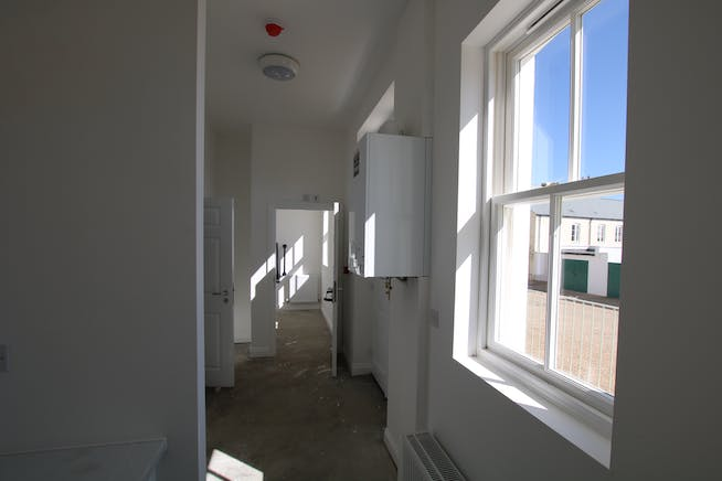 Unit B, Regents House, Crown Square, Dorchester, Office / Retail & Leisure To Let / For Sale - IMG_8397.JPG