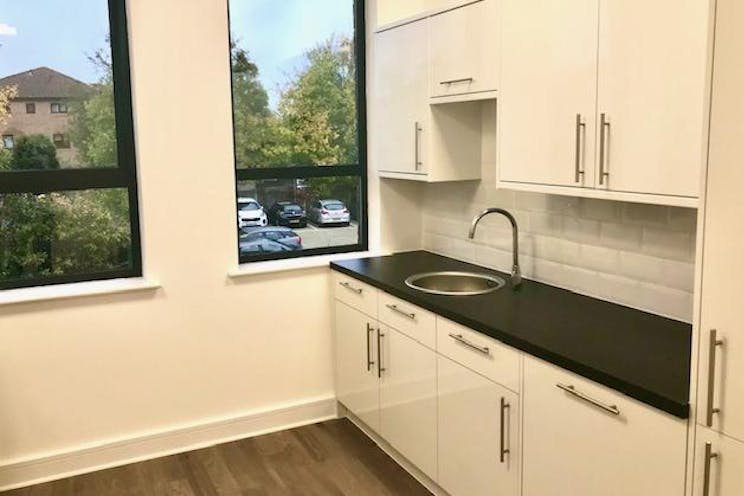 1st Floor Lindsey House, 1 Station Road, Addlestone, Offices To Let - IMG_3874.jpg