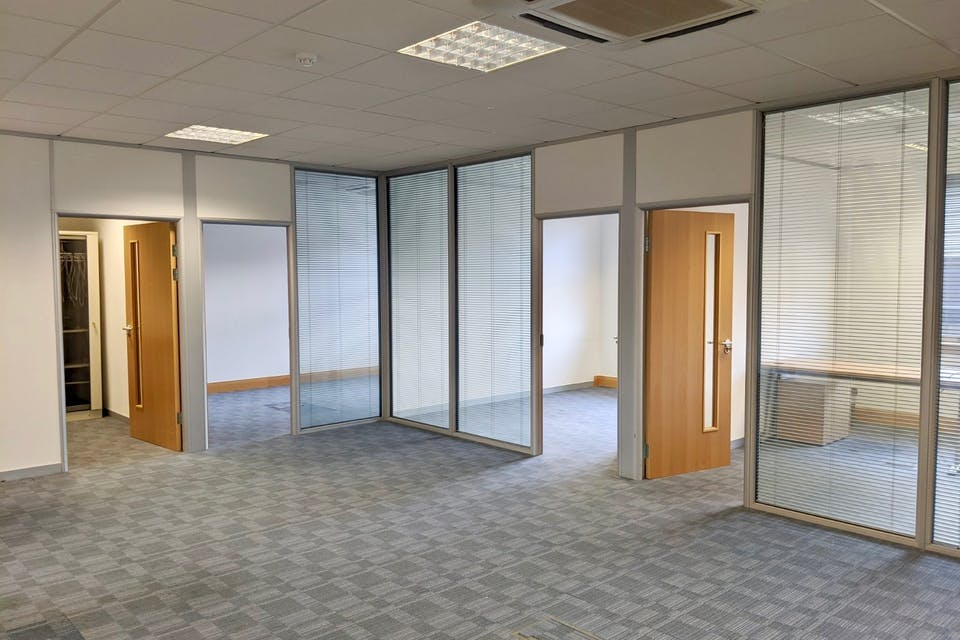 Unit 3 Millars Brook, Wokingham, Offices To Let - IMG_20200113_120208 (1).jpg
