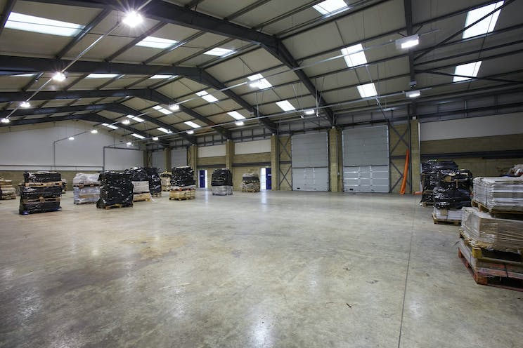 Meadow View Court, Reading, Industrial To Let - CM1B9891med.jpg