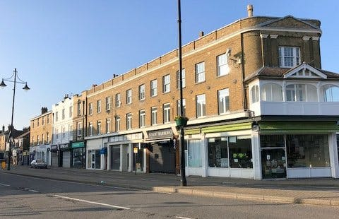 5-7 Clarence Street, Staines-upon-Thames, Retail To Let - IMG_0491 002.jpg