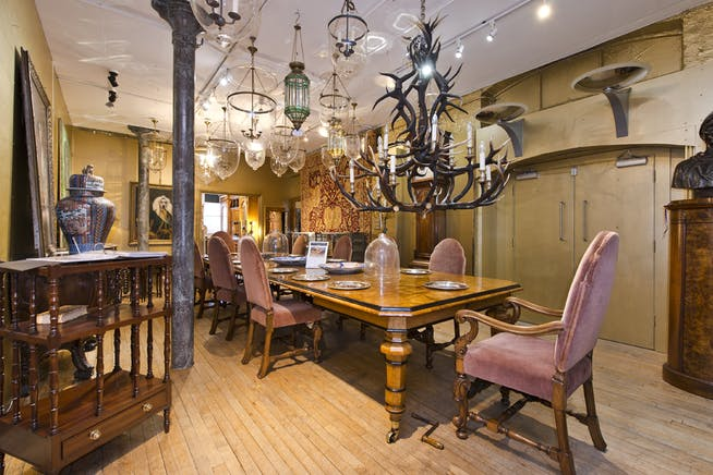 The Furniture and Arts Building, 533 Kings Road, Chelsea,  Sw10, Office / Retail To Let - showroom@533 kings rd-5091 low.jpg