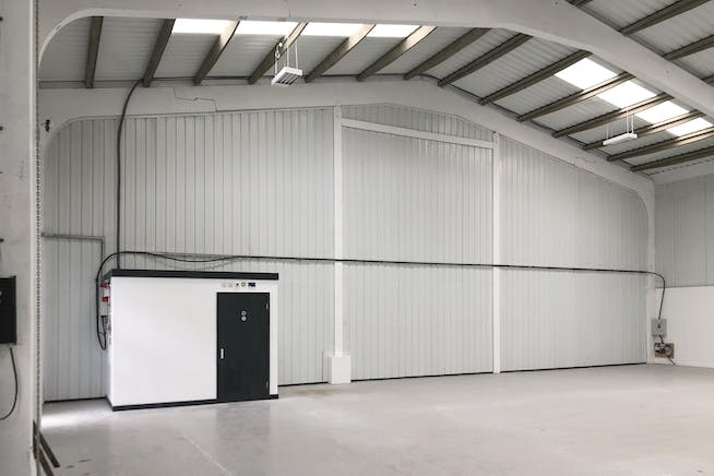1A Drakes Drive, Crendon Industrial Park, Industrial To Let - F-6.jpg