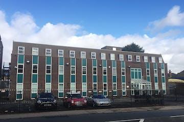 Manor Park Chambers, 304 High Street, 304 High Street, Aldershot, Offices To Let - Manor Park Chambers - external.jpeg