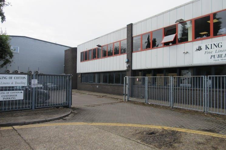 Unit 2 Byfleet Technical Centre, Canada Road, Byfleet, Warehouse & Industrial To Let - IMG_8474.JPG