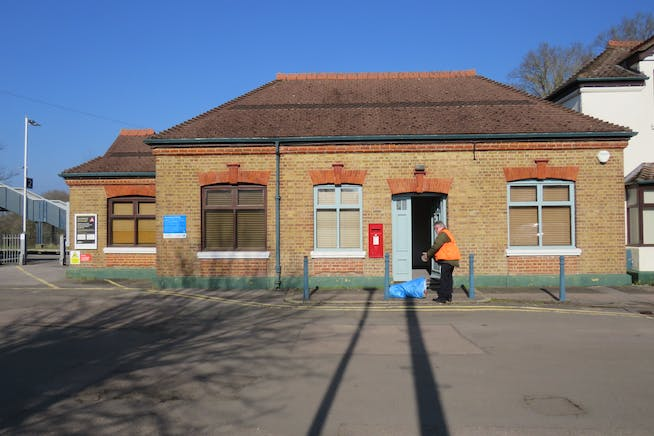 Former Station Ticket Office, Station Approach, Wanborough, Guildford, Warehouse & Industrial / Open Storage Land / Offices To Let - IMG_0708.JPG