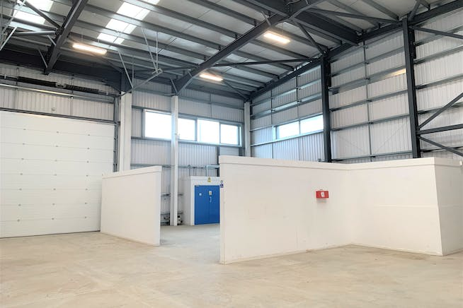 Brent Trade Park, Unit 9, London, Industrial To Let - IMG_5155.JPG