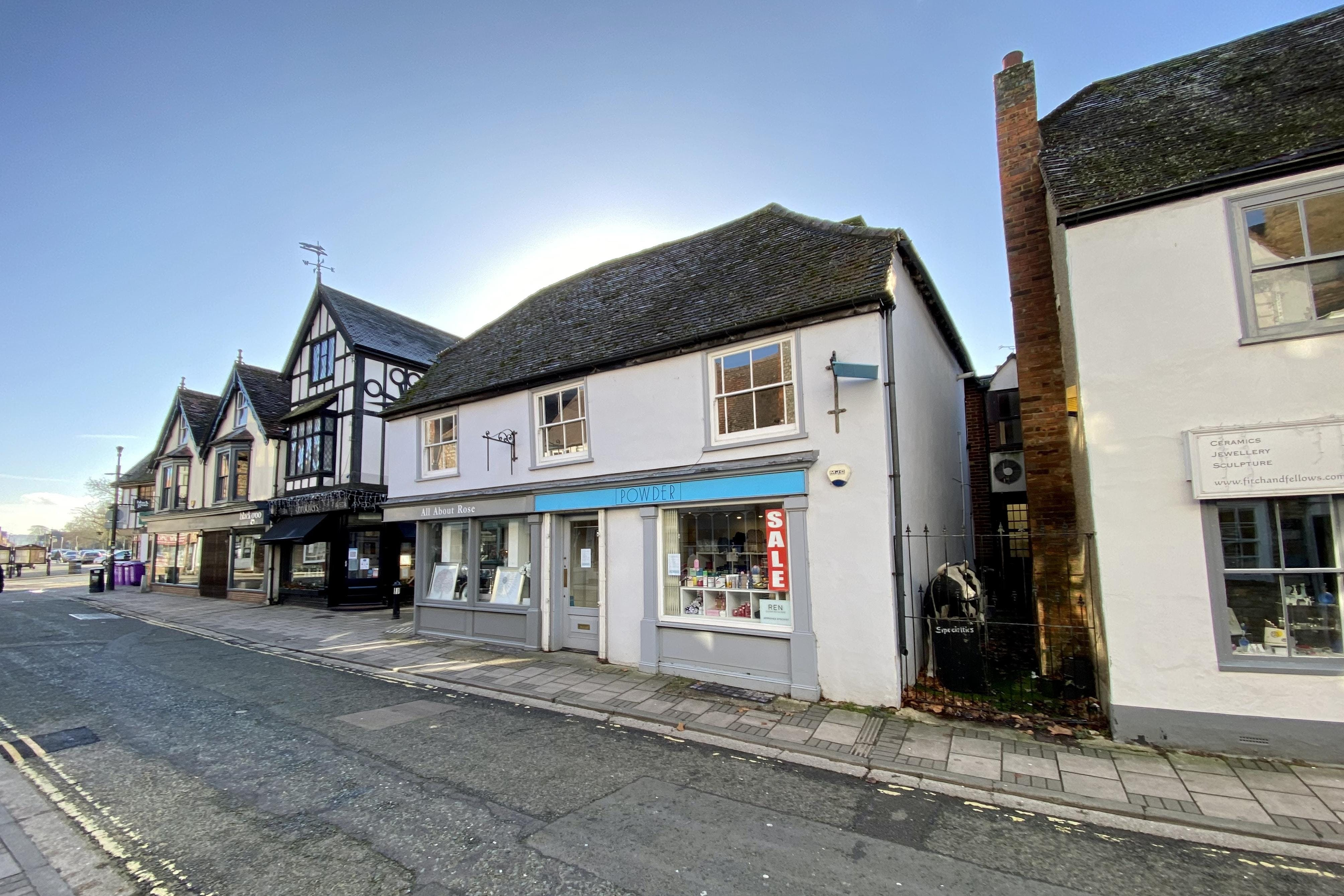 17A Buttermarket, Thame, Retail To Let - FRONT 2.JPG